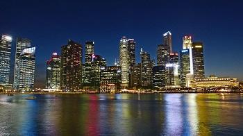 Singapores dyra och expansiva skyline